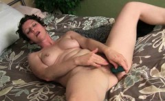 Full bushed mom probes her lustful pussy