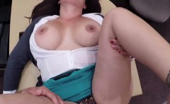 Desperate MILF pawn her pussy