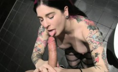 Pornstar goth sucks pov