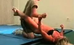 mixed wrestling fbb Christine Fetzer bodybuilder scissors