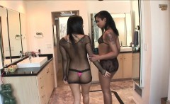 Asa Akira and Skin Diamond share a Black Dick