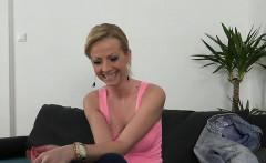 Stunnung blonde amateur babe banged on casting