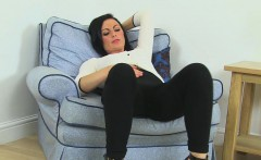 roxanne cox is a sexy british milf who loves to masturbate