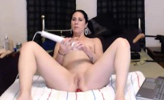 Veronica Rubs a Vibrator To her Pussy