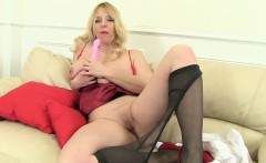 British mums love playing around in tights