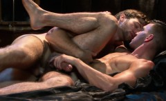 Muscled hunk rimming and doggystyling stud
