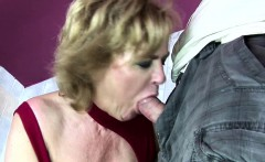 Brunette mature toiletslut face pissed