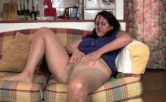 Rubbing my pussy feels so good in my nylon tights