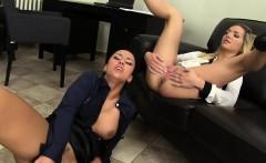 Lesbians eating pee pussy