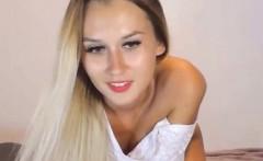 Brunette Babe Masturbating on Cam