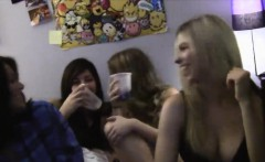 College chicks turn their cameras on at dorm sex party