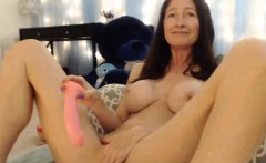 Stunning Skinny Mature Squirting Her Juicy Vagina