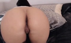 Big Ass Wild Webcam Chick Fucking With Toy