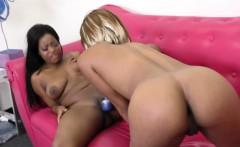 sexy ebony girls scissor their pussies until they cum