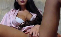 Amateur tanned latina babe with natural