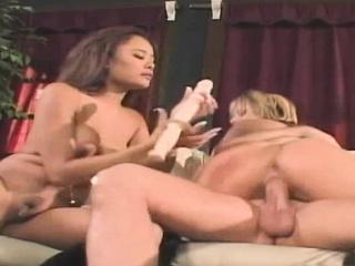 Big tits in interracial threesome