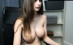 amateur dallyandra28 flashing boobs on live webcam