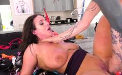 Bubble butt slut banged