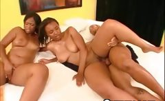 Massive Ghetto Pussy Threesome Creampie