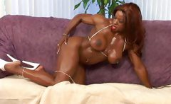 Hot Muscled Black GFs!