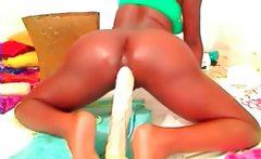 Black Webcam Girl Fisting Ass