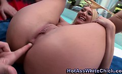 Hoe gets big ass rimmed outdoors