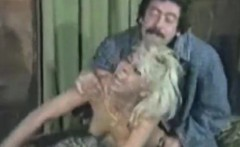 shocking oldschool pussy on couch