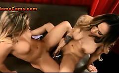Gorgeous Lesbians Fuck A Double Dildo