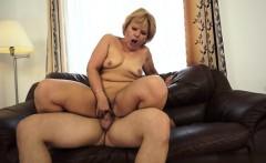 Tettona italiana bouncing boobs
