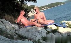 Reife MILF will Spass im Urlaub - New GF at CHEAT-MEET.COM