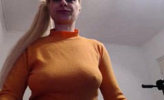Big tit blonde in a pony tail bounces her boobs up and down