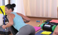 tight belly teen licked by milf fitness trainer