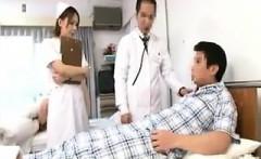 Provocative Japanese nurse in white pantyhose seduces a hor