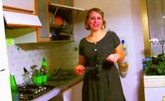 Retro Italian Housewife Kitchen Blowjob
