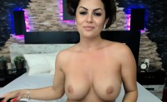 Sweet Milf Model Goes Wild And Horny On Webcam