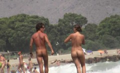 Superb nude beach spy cam pussy shot