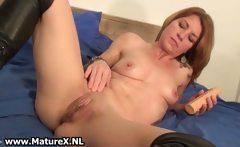 Horny skinny housewife is inserting huge