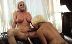 Sexy dominatrix-bitch loves licking other pussies for fun