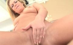 Sasha Knox wants it in the butt
