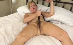 American milf Zoe wants to show you her fingering skills