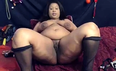 fat ebony bbw loves to fingerfuck her fat pussy