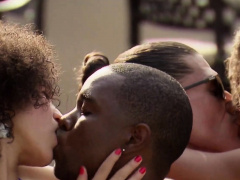 Amateur Black Couple Wants To Swap.