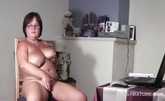 Big titted mature babe pleasuring her horny cunt