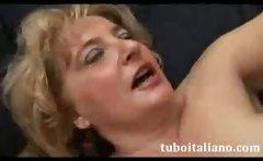 Mamma Ti Vengo sulle Tette Italian